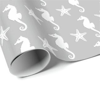 Papel De Regalo Seahorse y estrellas de mar - blanco en el gris de