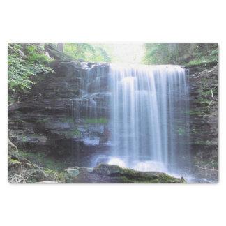 Papel De Seda Cascada hermosa en naturaleza