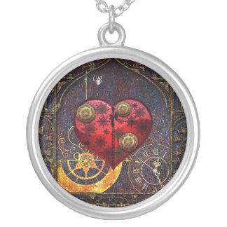 Papel pintado de los corazones de Steampunk del Collar Plateado