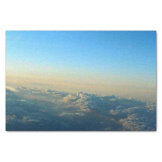 Papel seda de las montañas de la nube