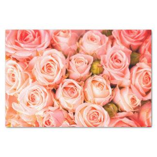 Papel seda rosado coralino de los rosas