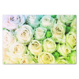Papel seda verde y de marfil de los rosas