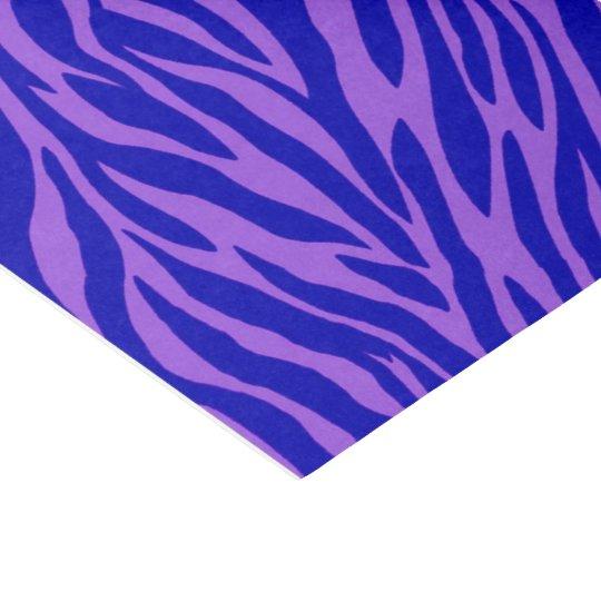 Papel seda violeta vibrante del modelo de