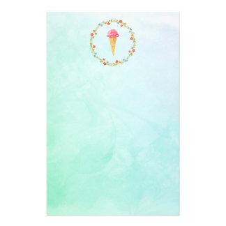 Papelería Cono de helado con una guirnalda floral