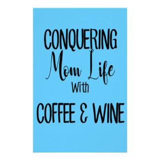 Papelería Conquista de MomLife en el café y el vino