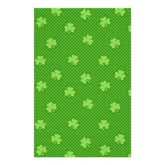 Papelería Día verde de Patricks del santo del modelo del
