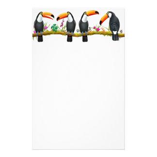 Papelería Efectos de escritorio tropicales de los pájaros de