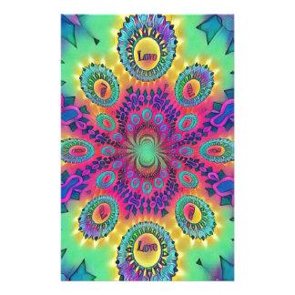 Papelería El amor psicodélico multicolor es modelo retro del