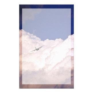 Papelería Los militares transportan el aeroplano de Shirley