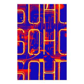 Papelería Muestra de neón de Soho iluminada en Londres