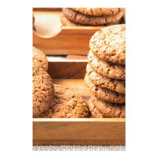 Papelería Opinión del primer sobre las galletas de la avena