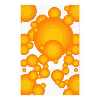 Papelería Oranger 70s que diseña círculos tiene gusto de