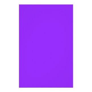 Papelería Personalizar púrpura de neón del color sólido él