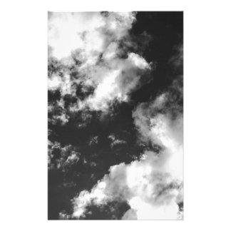 Papelería Tiempo nublado blanco y negro
