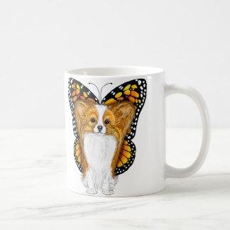 Papillon en disfraz taza clásica