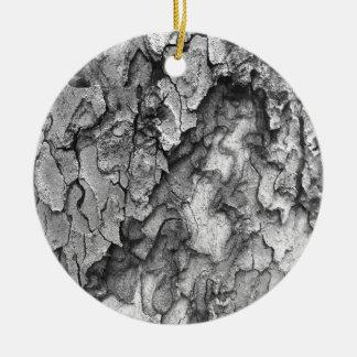 Para el amor de la naturaleza - corteza del negro adorno navideño redondo de cerámica