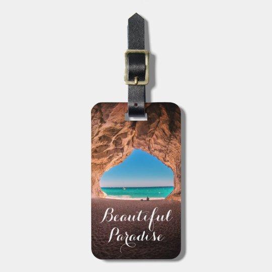Paraíso hermoso de la playa etiqueta para maletas