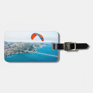 Paramotors pilota volar sobre el Bosphorus Etiquetas Para Maletas