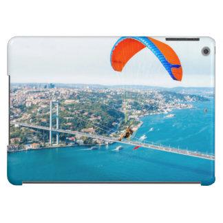 Paramotors pilota volar sobre el Bosphorus Funda Para iPad Air