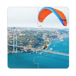 Paramotors pilota volar sobre el Bosphorus Posavasos De Puzzle