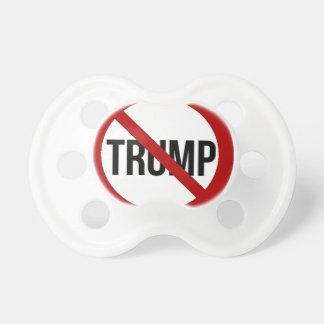 Pare el Anti-Triunfo 2016 de Donald Trump Chupete