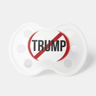 Pare el Anti-Triunfo de Donald Trump Chupete