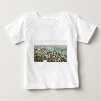 Pareciendo del este de la torre del cantante, camiseta para bebé