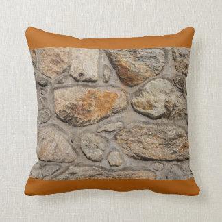 pared concreta y de piedra en la almohada de tiro