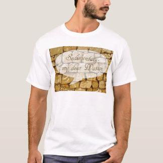Pared de la piedra caliza y mún chiste de la camiseta