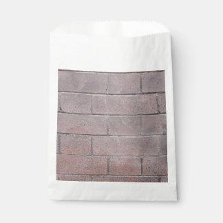 Pared de ladrillo bolsa de papel