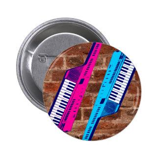Pared de ladrillo retra de Keytar de los años 80 d Pin