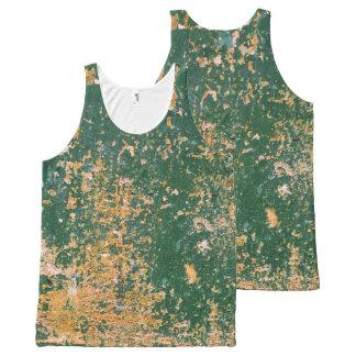 pared vieja rasguñada grunge del verde de la camiseta de tirantes con estampado integral