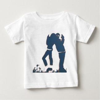 Pareja con armas camisetas