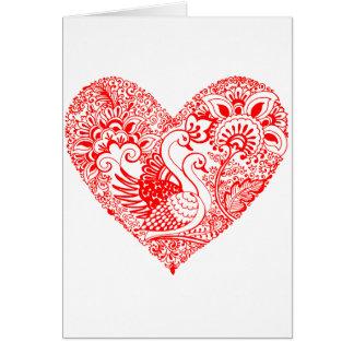 Pares del cisne en corazón rojo tarjeta de felicitación