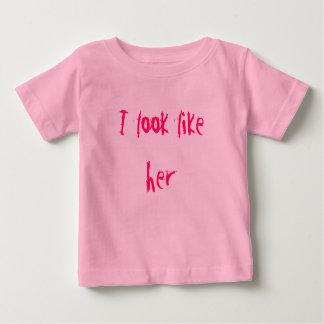 Parezco ella camiseta
