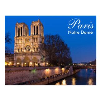 París - Notre Dame en la postal de la noche