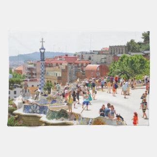 Parque Guell en Barcelona, España Paño De Cocina