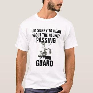 Pasando guardia la camisa divertida del jitsu de