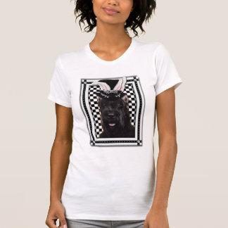 Pascua - algún conejito le ama - Schnauzer Camisetas