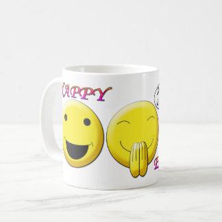 Pascua feliz con la taza sonriente de la obra