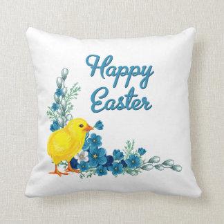 Pascua feliz con un polluelo del bebé cojín decorativo