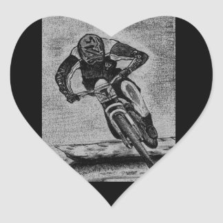 Paseo de la bici de montaña pegatina en forma de corazón