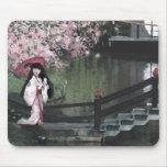 Paseo de la flor de cerezo tapetes de ratón