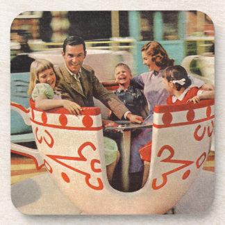paseo de la taza de té en el parque de atracciones posavasos de bebida