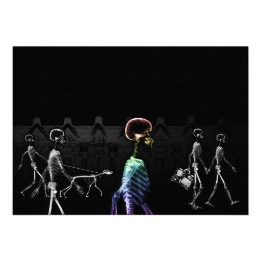 Paseo de medianoche de los esqueletos de la radiog comunicados