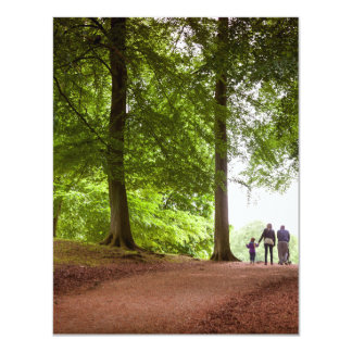 Paseo del bosque de la familia invitación 10,8 x 13,9 cm