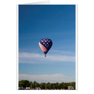 Paseo del globo del aire caliente de las barras y tarjetas