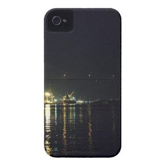 Paseo del río de la sabana funda para iPhone 4 de Case-Mate