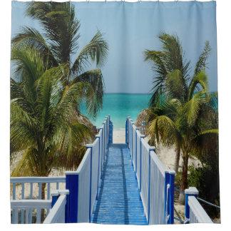 Paseo marítimo para varar la cortina de ducha de