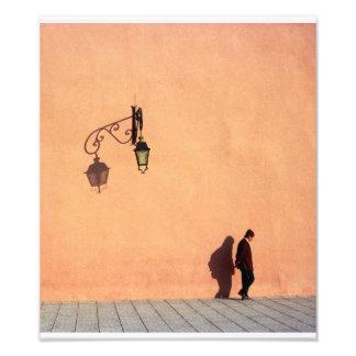 Pasos del hombre por las paredes de la ciudad de M Fotografia